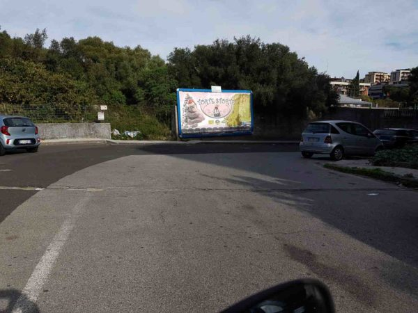 Via Montipeloritani presso scuola Campus Catania Cartelloni Pubblicitari