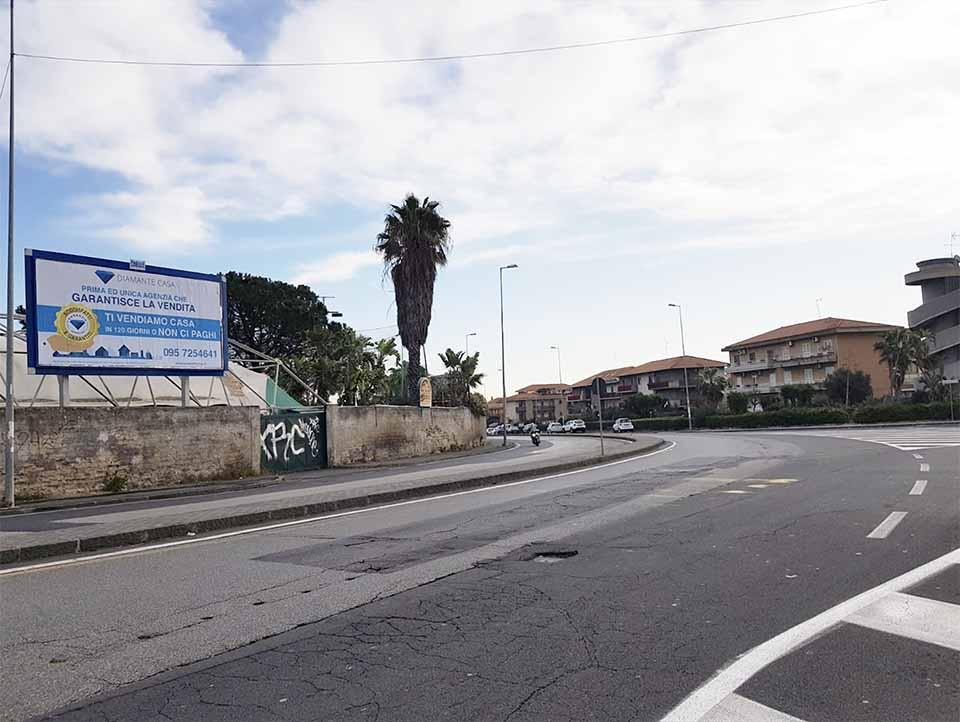 Via Ugo La Malfa 6X3 - Catania